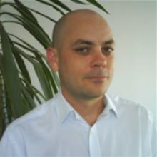 Dr Darren Thiel